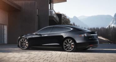 Tesla Model S P85D, l'elettrica in grado di fare centro al primo colpo