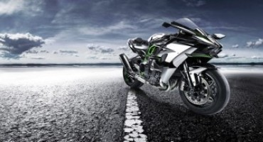 Akrapovič lancia uno scarico speciale per l'innovativa Ninja H2R di Kawasaki