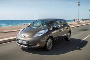 nissan-presenta-una-rivoluzione-nella-mobilita-elettrica-leaf-2016-con-batteria-da-30kwh-e-unautonomia-di-250-km-137025_1_5