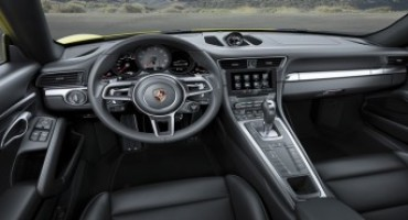 Porsche 911 Carrera 4 and 911 Targa 4 with turbocharged engines and new all-wheel drive
