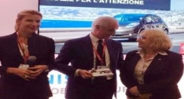 """Nissan, i giornalisti dell'Auto (UIGA) premiano la Casa giapponese, con lo """"Special Award Electric"""""""