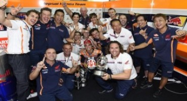 MotoGP 2015, Pedrosa dominates in Malaysia as Marquez crashes out after controversial clash with Rossi