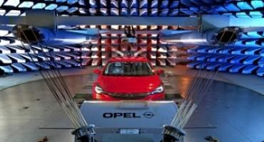 Opel Astra, test sulla compatibilità elettromagnetica: la nuova compatta è protetta da qualsiasi interferenza