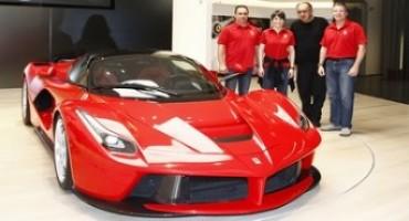 Samantha Cristoforetti, con agli astronauti Skaplerov e Virts, in visita alla Ferrari