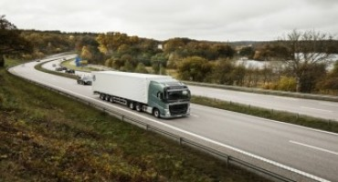 Volvo Trucks (FH ed FH16): puoi ordinarli con il Dynamic Steering e con le sospensioni anteriori indipendenti