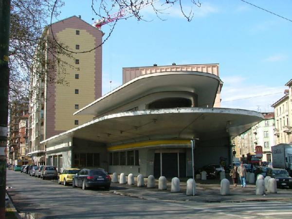 Lapo elkann inaugura la nuova sede di garage italia - Garage italia lapo ...