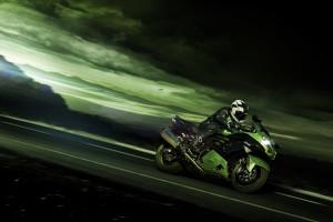 kawasaki-zzr1400-2016-a-caccia-di-brividi-hi_zzr1400-performance-sport_keyvisual_heathaze