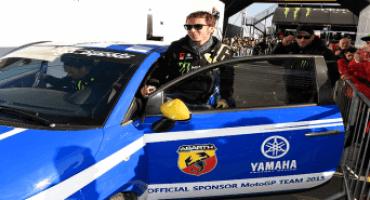 Rally di Monza 2015, Valentino Rossi e Alessio Salucci (Uccio) guidano l'Abarth 695 biposto Yamaha Factory Racing Edition