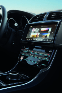 the-jaguar-xe-gains-all-wheel-drive-next-generation-infotainment-system-and-apple-watch-connectivity-jag_xe_17my_awd_detail_image_181115_12_122023