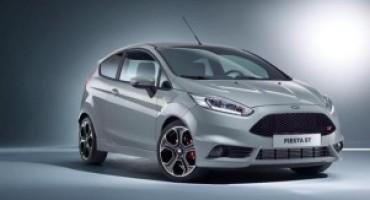 """A Ginevra Ford svela la """"piccantissima"""" Fiesta ST200 e la GT, nella versione stradale e da competizione"""
