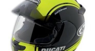Ducati con Arai e Rev'it!: un casco e una giacca per migliorare la sicurezza
