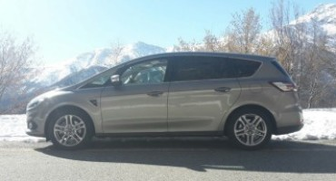 Ford S-Max 2.0 TDCi 180 CV AWD Titanium 7 posti, coniugare spazio e dinamismo adesso è possibile