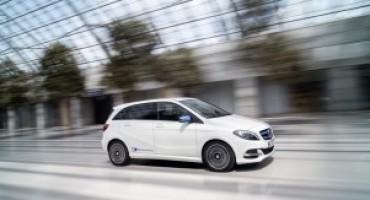 Mercedes-Benz, Calsse B Electric Drive e Smart 100% elettrica al Flash Mob Elettrico per le vie della Capitale