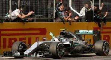 Formula1 – GP Cina: terzo successo stagionale per Nico Rosberg che chiude davanti a Vettel