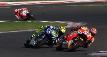 MotoGP, qualifiche Gp Argentina: la pole è di Marquez, ma Rossi e Lorenzo sono lì