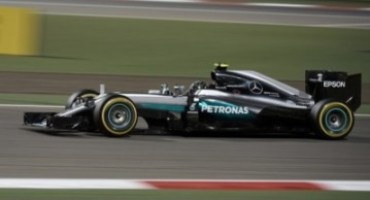 Gp Bahrain, vince Rosberg con Mercedes, rotture di motore per Vettel