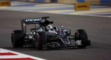Formula 1 – GP del Bahrain: è di Hamilton la pole, secondo Rosberg a pochi millesimi.