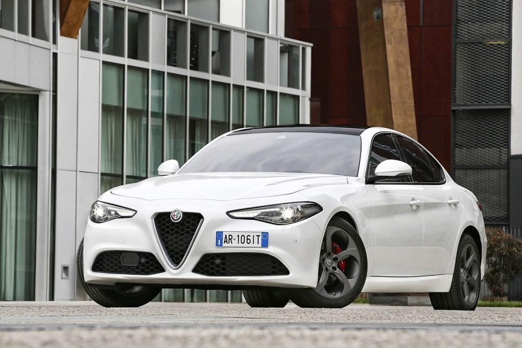 2016_Alfa-Romeo_Giulia_02