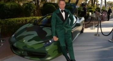 Lapo Elkann dona la sua Ferrari 458 Italia Camouflage per sostenere la lotta contro l'AIDS