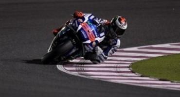Moto GP, sul tracciato francese Jorge Lorenzo mette tutti in fila, Rossi è settimo