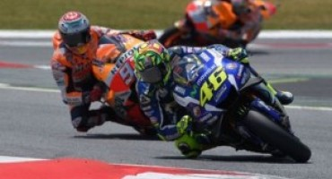 MotoGP, sul circuito di Montmelò Valentino Rossi strapazza gli spagnoli