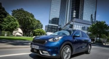 Lo stile e la tecnologia ibrida di Kia al Salone dell'Auto di Torino