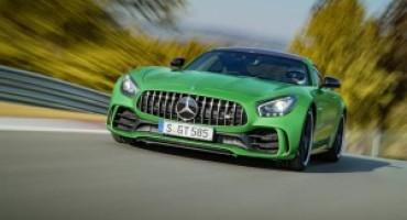 Mercedes-AMG presenta la nuova GT R!