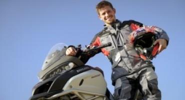 Casey Stoner ospite della nuova scuola di guida Ducati