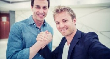 Mercedes AMG Petronas Formula 1 Team and Nico Rosberg sign contract extension