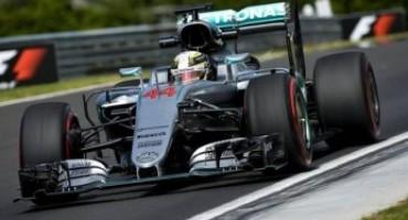 Formula 1, Lewis Hamilton vince il GP di Ungheria e conquista la testa del mondiale