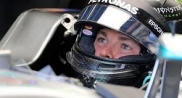 Formula 1 – GP del Belgio, Rosberg trionfa ma Hamilton finisce terzo dopo una grande rimonta. Male le Ferrari