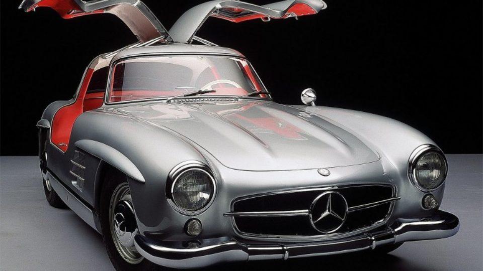 MercedesBenzSL300Gullwing-001.jpg