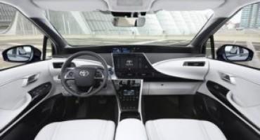 Nuova Toyota Prius Plug-in, in anteprima nazionale a Rimini Fiera (8-11 Novembre 2016)
