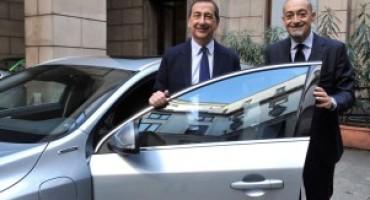 Volvo consegna al sindaco di Milano una V60 Twin Engine ibrida