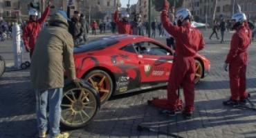 Da un'idea di Fabio Barone, il Pit-stop Ferrari ai Fori Imperiali di Roma. Encomiabile la finalità