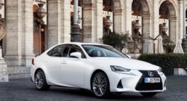 Nuova Lexus IS, il Model Year 2017 è pronta al debutto