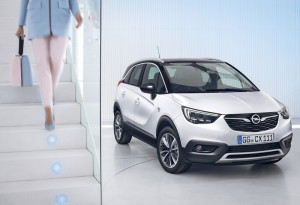 Cool car, cool premiere: New Opel Crossland X
