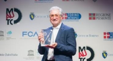 """Giorgetto Giugiaro riceve dal MAUTO il premio """"Matita d'Oro 2016"""""""