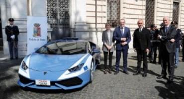 Automobili Lamborghini, consegnata alla Polizia di Stato la nuova Huracán
