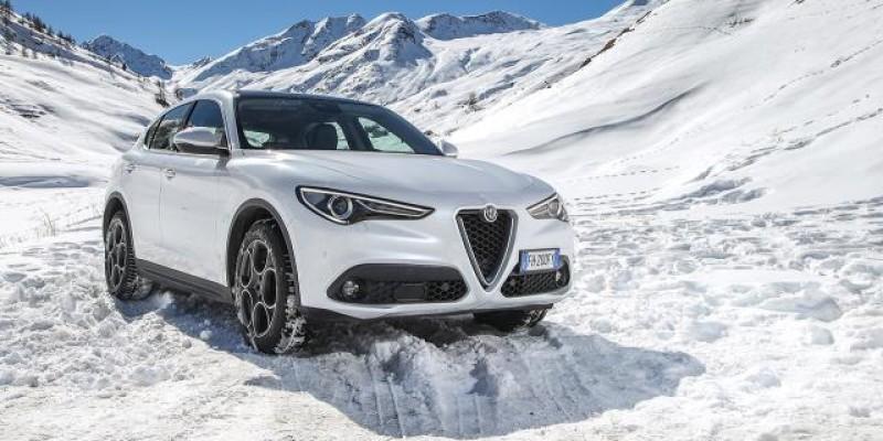 Alfa-Romeo_Stelvio_slider.jpg