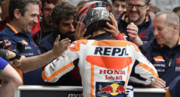MotoGP-GP Stati Uniti: pole di Marquez che brucia sul filo Vinales, terzo Rossi