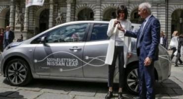 Nissan Italia consegna alla Città di Torino una LEAF 100% elettrica