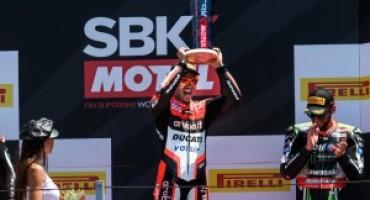 Superbike-Pirelli Riviera di Rimini Round: Marco Melandri vince Gara 2 e raggiunge la 100esima vittoria italiana di WSBK