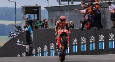 MotoGP-GP Sachsenring: stratosferico Marquez che vince davanti a un grande Folger. Male le Ducati