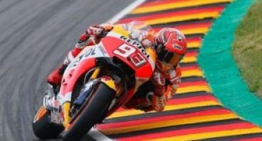 MotoGP, Marquez firma la pole a Brno davanti a Rossi e Pedrosa. Quarto Dovizioso