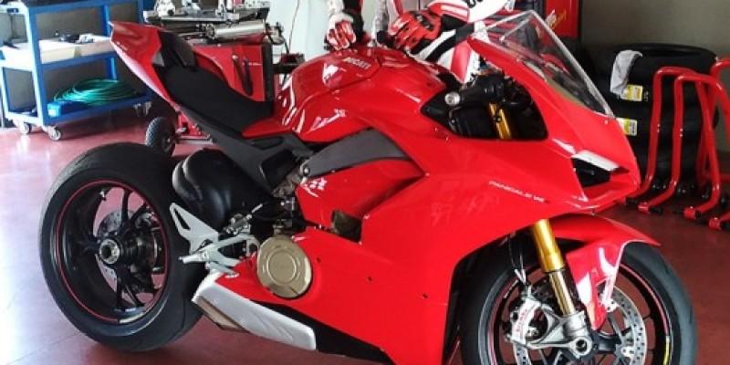 DucatiV4.jpg
