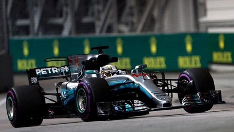 Lewis-Hamilton-GP-Singapore-2017.jpg