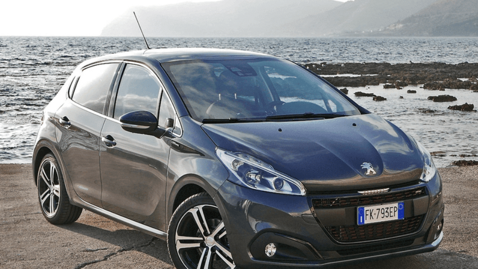 Peugeot-208-GT-Line-1.png