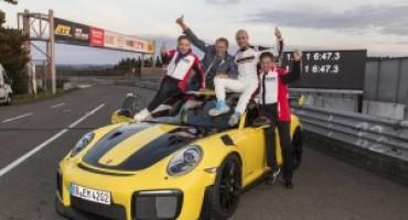 Porsche, la  911 GT2 RS stabilisce un nuovo record mondiale sulla Nordschleife del Nürburgring