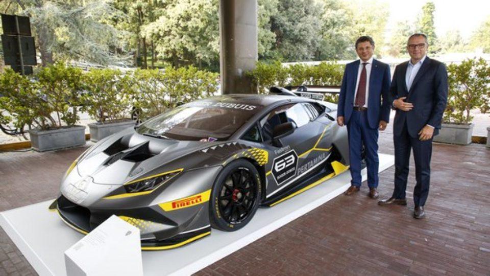 Automobili-Lamborghini-incontra-gli-studenti-dellUniversità-di-Ingegneria-di-Bologna.jpg